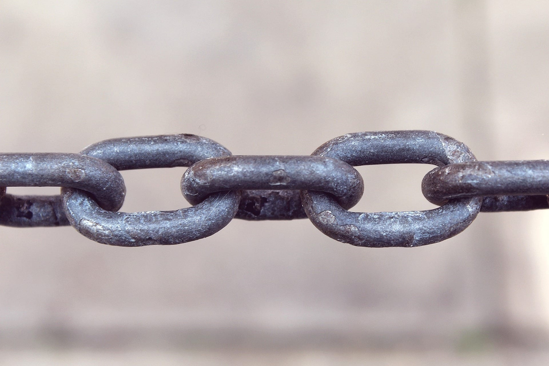 image of chain links